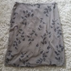 Gray Leaf Print Swing Skirt